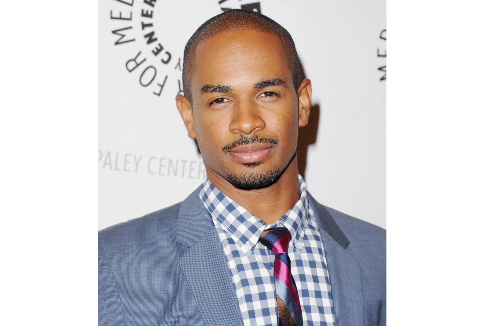 Damon wayans jr starts filming 39 how to be single 39 the for Damon wayans jr