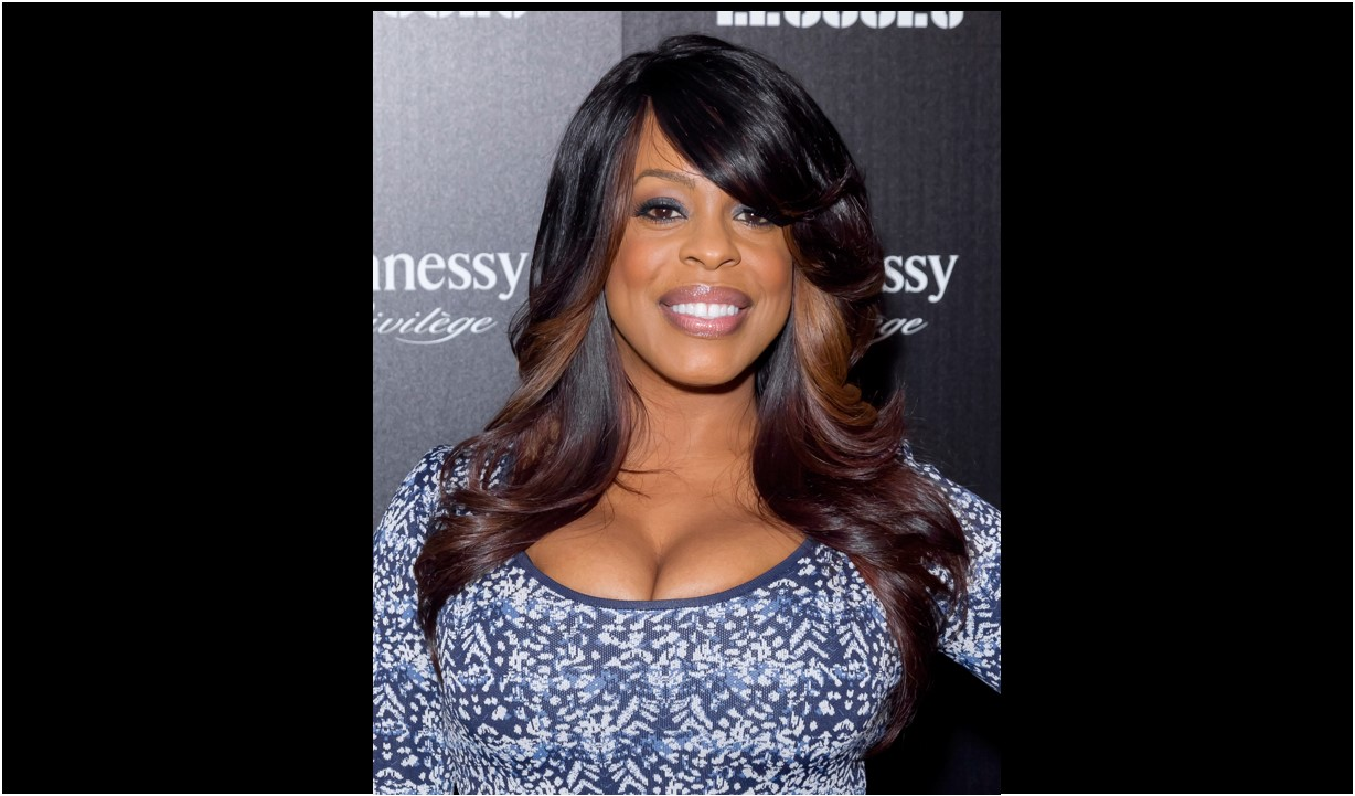 Niecy Nash Niecy Nash Leaves Comedy For Dramatic Role With Courtney B. Vance, Mamoudou Athie In Netflix's 'Uncorked